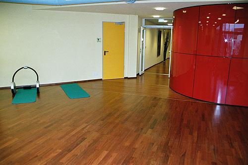 leonhard parkettboden parkettbodenverlegung im allg u. Black Bedroom Furniture Sets. Home Design Ideas